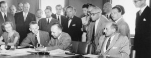 Firma de la Convención de 1951 sobre el estatuto de los refugiados