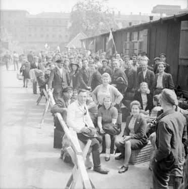Displaced_Persons_and_Refugees_in_Germany_BU6638