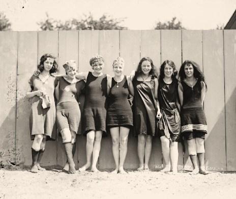 mujer-despues-de-los-40_bikini