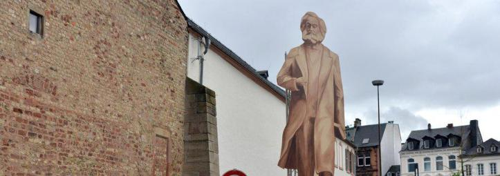 Trier-stellt-Dummy-von-geplantem-Riesen-Marx-auf_pdaBigTeaser